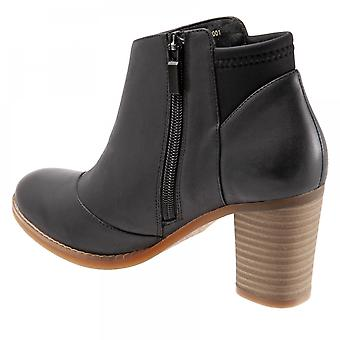 SoftWalk Womens Kora Leather Round Toe Ankle Chelsea Boots