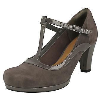 Ladies Clarks Court Heel Shoes Chorus Pitch