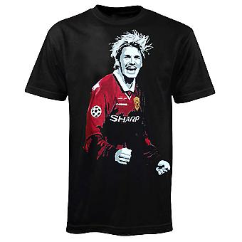 Football Legend David Beckham in Manchester United 1999 Kit T-Shirt