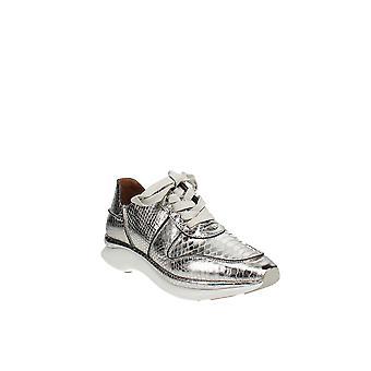 النفوس لطيف من قبل كينيث كول | راينا ويف حذاء رياضي