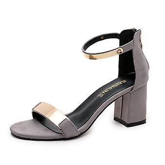Roman-style Shoes That Go Well With Heels In Sandals