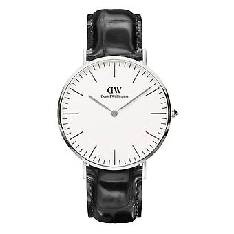 Daniel Wellington Classic Reading Quartz White Dial Black Leather Strap Men's Watch DW00100028