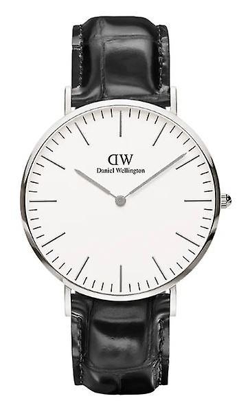 Daniel Wellington Classic Reading Quartz White Dial Black Leather Strap Mens Watch DW00100028