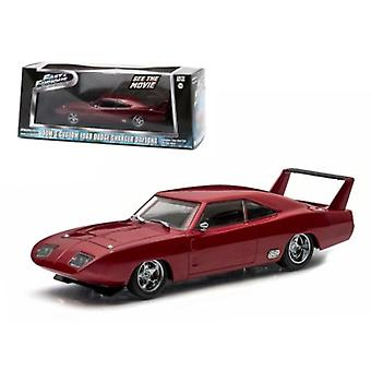 Dom-apos;s 1969 Dodge Charger Daytona Maroon -Fast and Furious 6 Film (2013) 1/43 Diecast Model Car par Greenlight