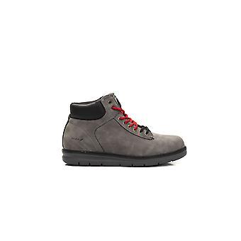 Grey boots Verri man