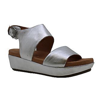 Gentle Souls Womens Lori Leather Open Toe Casual Platform Sandals