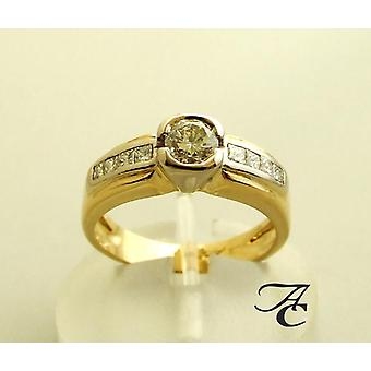 Yellow gold ring with diamonds 0.91 ct.