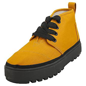 Toms Botas Lug Womens Chukka Boots in Spice Gold