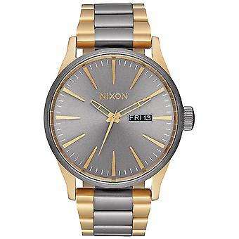Nixon sentry ss Japanese Quartz Analog Man Watch with A356595 Gold Plated Stainless Steel Bracelet