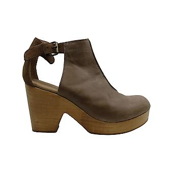 Free People Womens Amber Orchard Clog Leather Closed Toe Ankle Strap Clogs