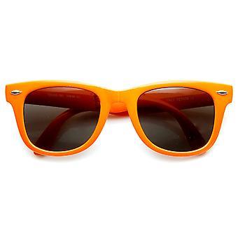 انعقدت نيون مشرق المضغوط ملونة قابلة للطي القرن جيب النظارات الشمسية 50 مم