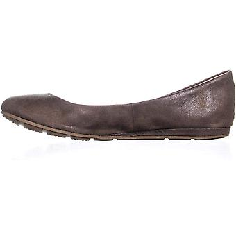American Rag Womens Ellie1 Closed Toe Ballet Flats