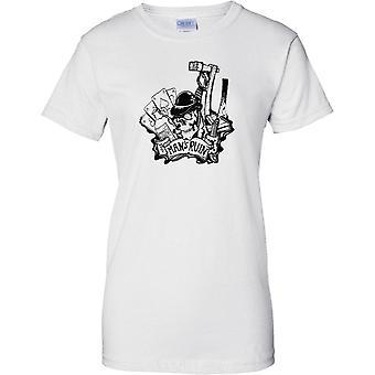 Miehen pilata Tattoo Design - juoma pelaamista - naisten T-paita