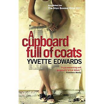 Un armario lleno de abrigos por Yvvette Edwards - libro 9781851688388