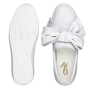 Negen West Womens Onosha leder laag bovenste Slip op Fashion Sneakers