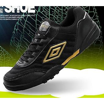 أحذية رياضة كرة القدم