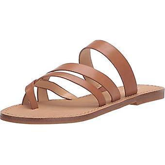 Nove mulheres ocidentais abrem sandálias de slides casuais