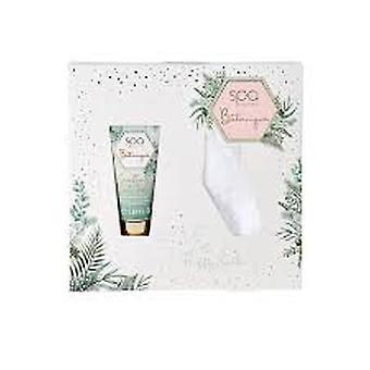 Style & Grace Spa Botanique Fluffy Sock Gift Set Eco Packaging 50ml Foot Cream + 1 Pair Fluffy Socks