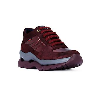 Callaghan bugs plum shoes