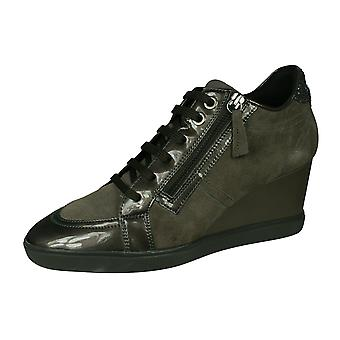 Geox D Eleni C naisten Suede Wedge Trainers/saappaat-ruskea