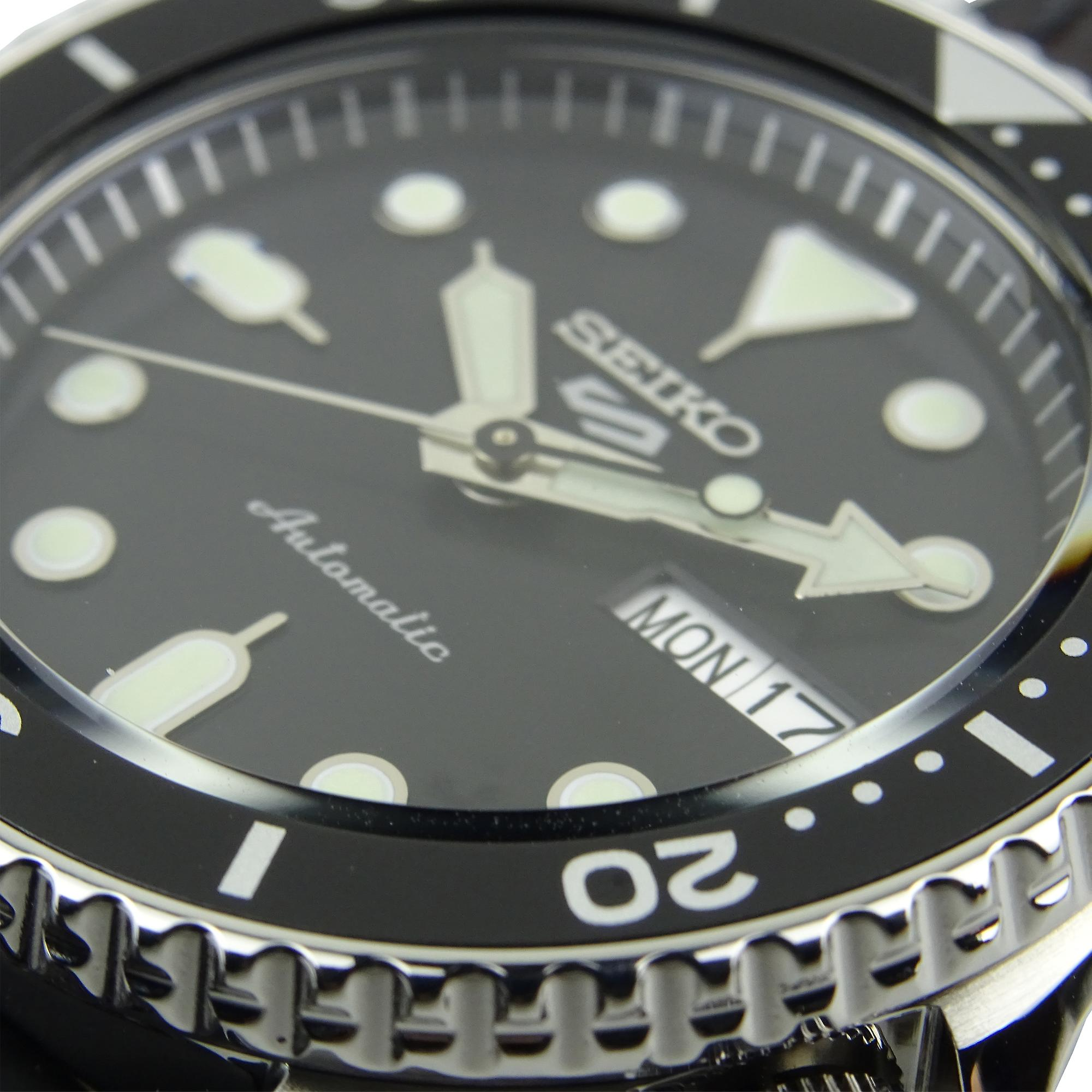 Seiko 5 Sports Black Dial Silicone Strap Automatic Mens Watch SRPD55K2