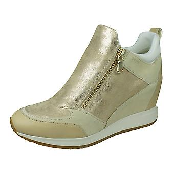 Geox D Nydame E Womens Leather Wedged Trainers / Bottes - Sable