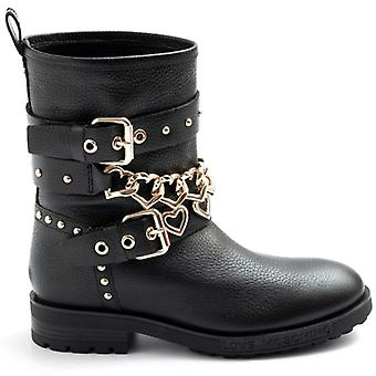Black Love Moschino Biker Boot Avec Hearts and Gold Buckles