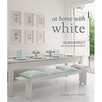 At Home with White door Atlanta Bartlett - 9781849758765 boek