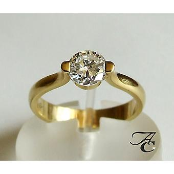 Gold ring with solitary brilliant