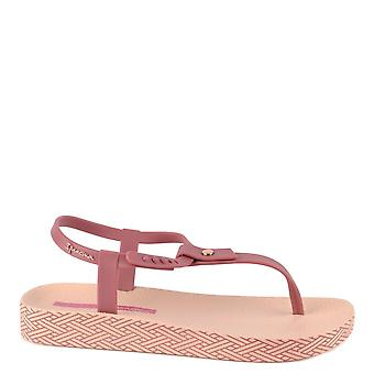 Ipanema Bossa Soft Berry Thong Sandal