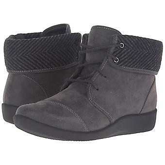 Clarks Womens Sillian Frey Suede Round Toe Ankle Fashion Boots