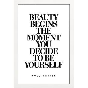JUNIQE Print - Skønhed begynder - Citater og slogans Plakat i sort og hvid