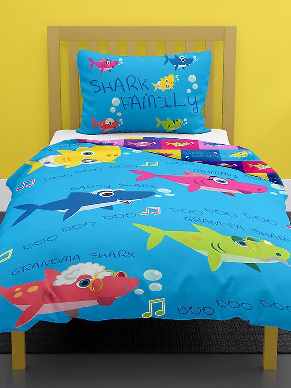 Shark Family 4 in 1 Junior Bedding Bundle (Duvet, Pillow and Covers)