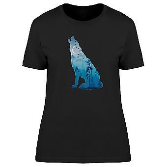 Howling Wolf blå landskab Tee kvinders-billede af Shutterstock