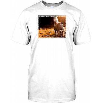 Schönes Pferd in Feld - atemberaubende Kinder T Shirt