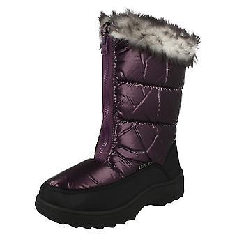 Piel refleja las señoras coronado botas para la nieve