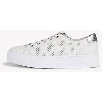 Chaussures plates en argent blanc