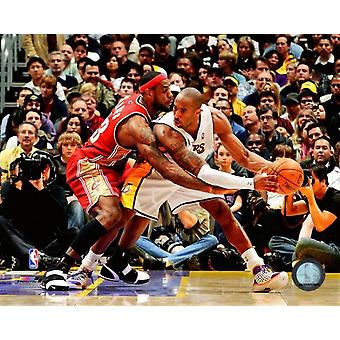 Lebron James & Kobe Bryant 2007-08 Action Photo Print (8 x 10)