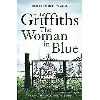 Kvinnan i blått: Dr Ruth Galloway mysterier 8
