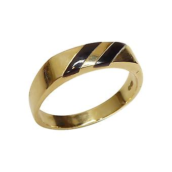 14 carat yellow gold ring with onyx