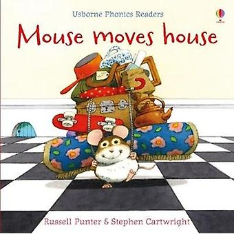 Mouse Moves House by Russell Punter