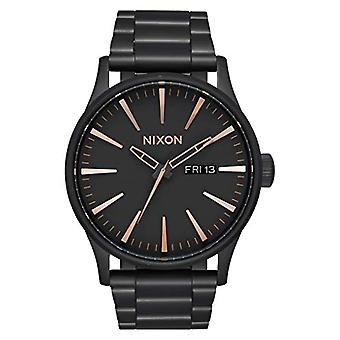 Nixon Mens Quartz analog watch with stainless steel band A356-957-00