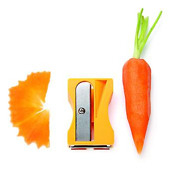 Carrot peeler in the form of pencil sharpener