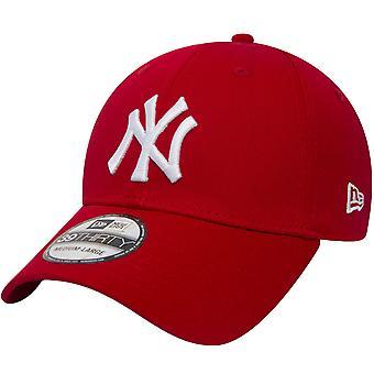 New Era 39THIRTY New York NY Yankees MLB Essential Asennettu Baseball Cap Hat Punainen