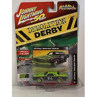 1977 Chevy Monte Carlo Stock Car Green Black 1:64 Johnny Lightning JLSF014A