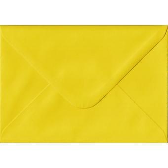 Påskelilje gul gummierede gave/sted kort farvet gul konvolutter. 100gsm FSC bæredygtig papir. 70 mm x 110 mm. bankmand stil kuvert.