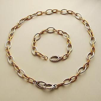 Gold necklace and bracelet with diamonds