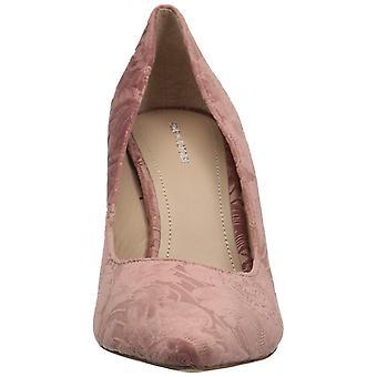 Pour La Victoire Womens ceceev Fabric Pointed Toe Classic Pumps