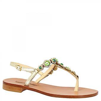Leonardo Sko Kvinner's håndlaget flat slingback thong sandaler i platina kalv skinn med grønn og sølv strass