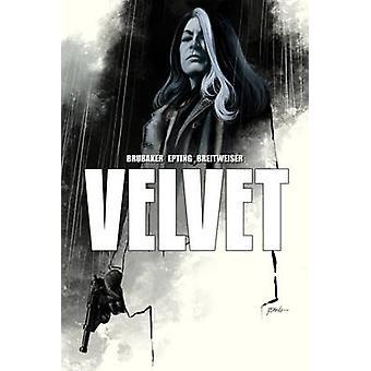 Velvet Deluxe Hardcover by Steve Epting - Elizabeth Breitweiser - Ed